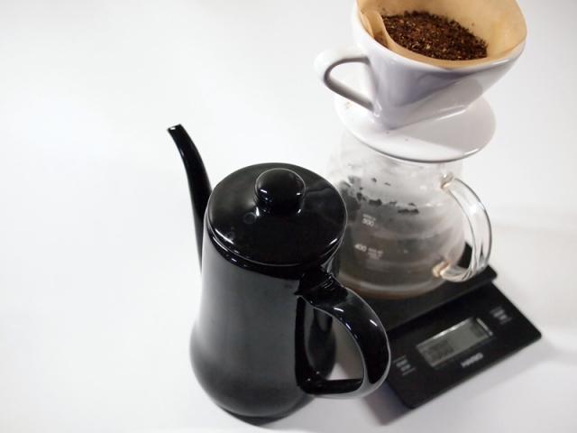 drip-coffee-set-water